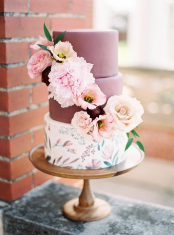 Shabby floral Wedding Cake
