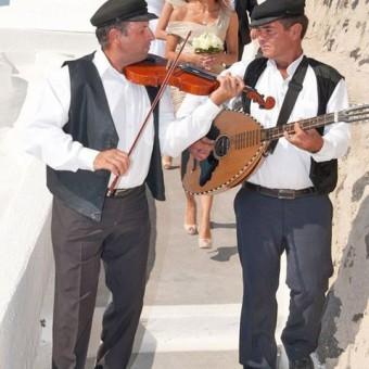 Destination Wedding Embracing Local Culture