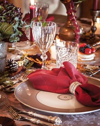 Winter warm tones medieval inspired art de la table