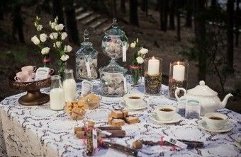 Love is Brewing Winter Wedding inspirational shoot