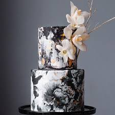 Black White Gold wedding cake