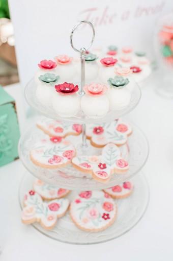 Christening treats cake pops & cookies