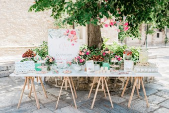 Olive garden Christening dessert station